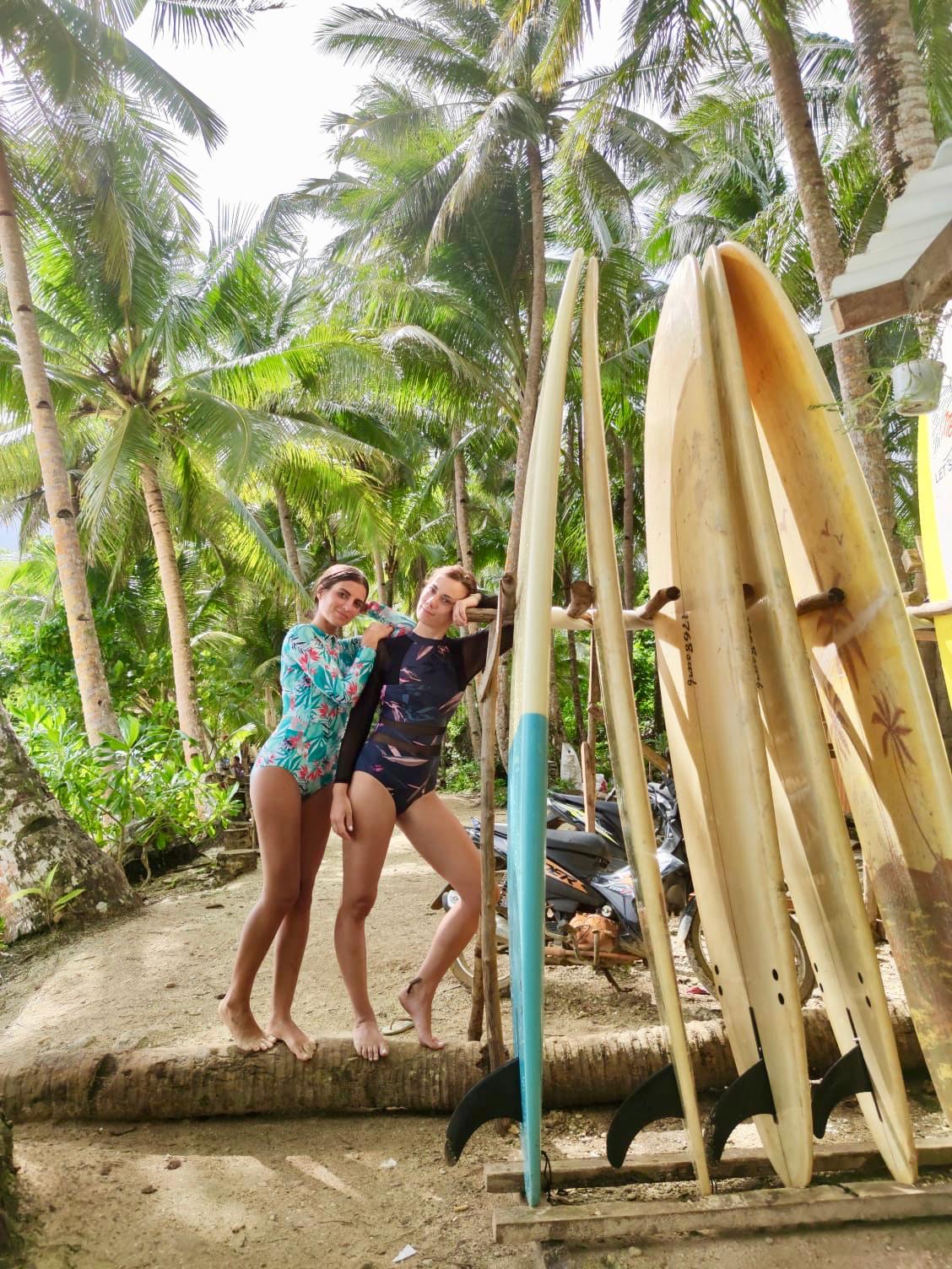 paddle surf girls
